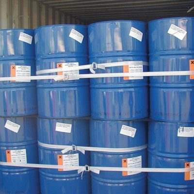 chemical-drums-with-cordstrap-lashing-container-solution